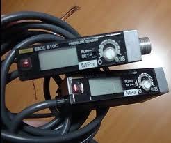 Picture of Cảm biến áp suất Omron E8CC-B10C 2M